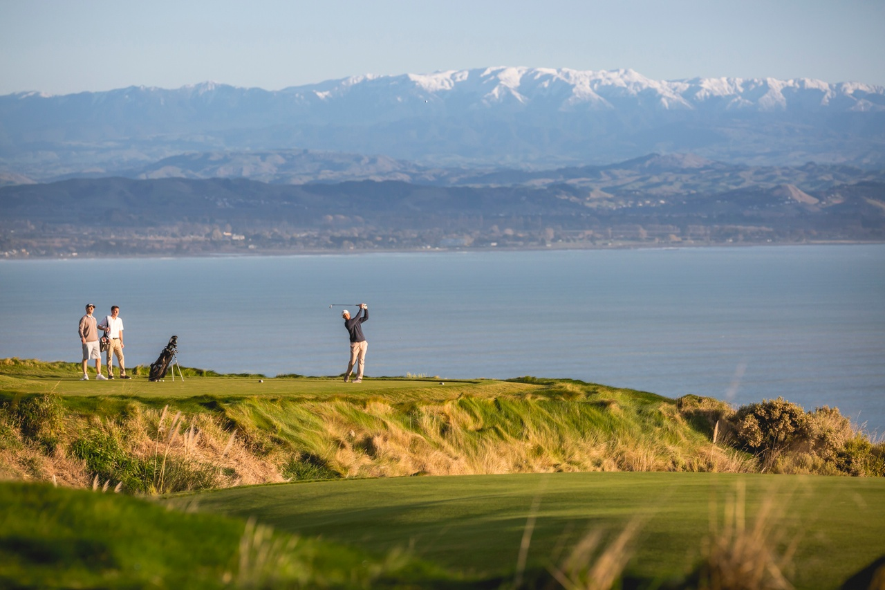 3674-Cape-Kidnappers-Hawkes-Bay-Miles-Holden(1)